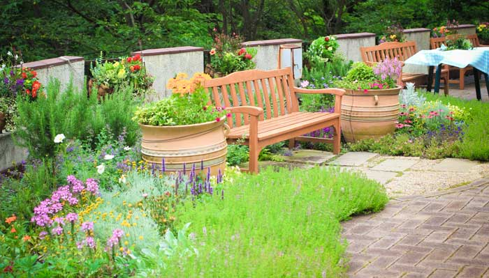 A garden is ideal multisensory stimulation for Alzheimer's