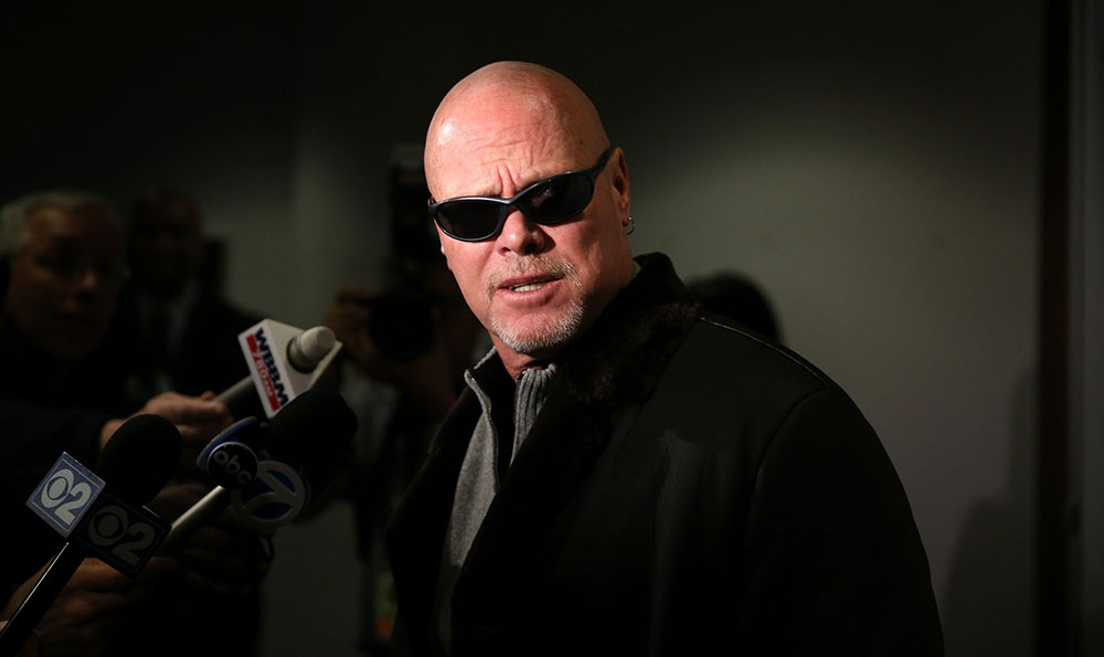There are many conditions that mimic Alzheimer's and other dementias. Chicago Bears quarterback Jim McMahon was diagnosed with Alzheimer's disease before someone realized it was normal pressure hydrocephalus, a condition more treatable than Alzheimer's.